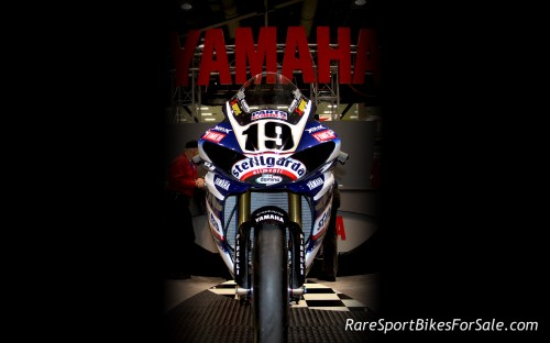 Yamaha-Racebike-Wallpaper