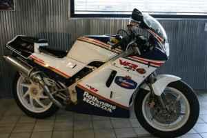 1985 Honda VFR400 NC24 Rothmans
